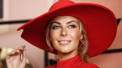 <p>The spring racing carnival is upon us meaning that it's time to embark on a beauty regime and fast.</p> <p>Race day events mean looking your absolute best and let's face it, unless your Jennifer Hawkins, that takes a little prep work. Given that we thought it would be a great idea to pull together an expert beauty guide - and here it is.</p> <p>Simply click through for professional hair, skin and makeup tips that will help you to be the belle of the ball. Well, the track anyway. Giddy up.</p>