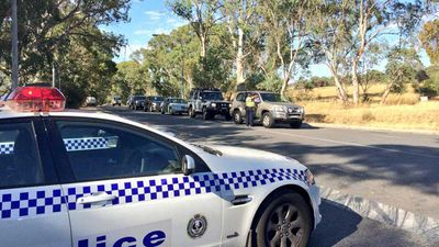 Residents with identification are beginning to be let back to their homes if they live on One Tree Hill Road at Kersbrook. (Twitter)