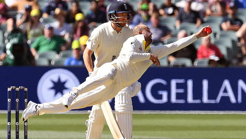 Ashes 2017: Nathan Lyon takes classic catch to dismiss Moeen Ali on day three of the second Test