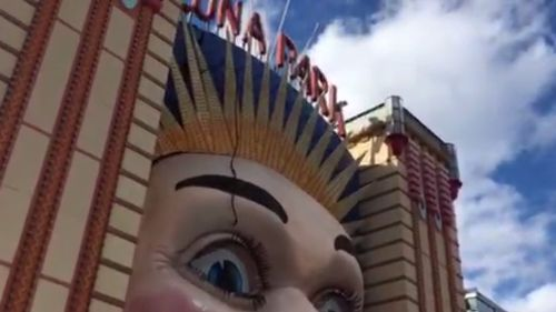 A cable from the crane was flung onto the famous face of Luna Park. (9NEWS)