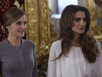 Queen Rania with Spain's Queen Letizia, 2015.