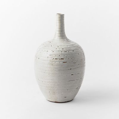 <strong>Textured vase</strong>