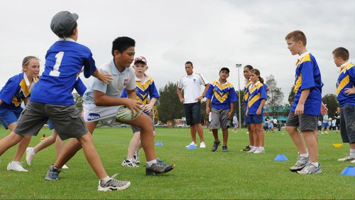Experts say a bout of agility training could halt the rising rate of ACL injuries in young Australians. (AAP)
