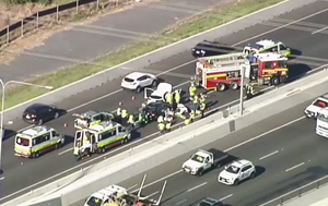 Crash causes heavy delays on Brisbane's Gateway Motorway