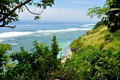 Gunung Payung Beach<br /> Only an hour&rsquo;s drive from Denpasar City, Gunung Payung Beach promises clear skies, panoramic ocean views and more importantly, no crowds.<br /> Whether you chose to go snorkeling, surfing or just want to lie upon the silky sand, this beach is not one to be missed.&#160;<br /> Image/ Flickr:&#160;LavaMilia