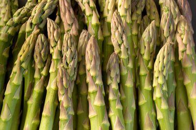 Asparagus: 1.3g sugar per 100g