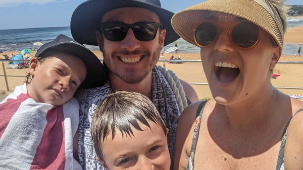 Jane de Graaff and her family at the beach