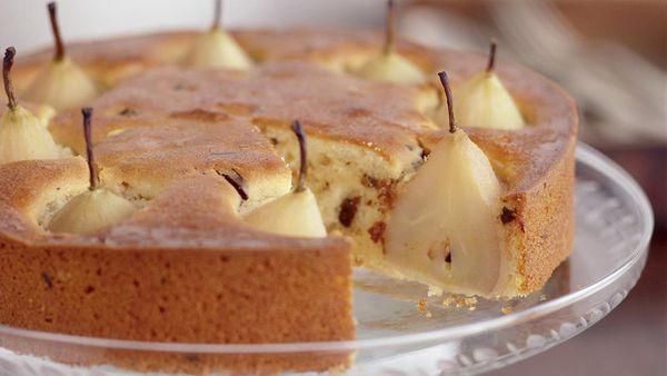 Vanilla pear almond cake