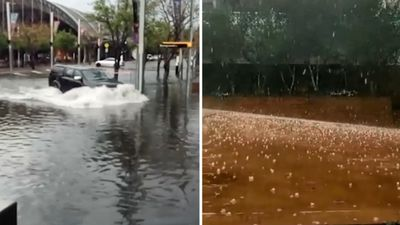 Flash flooding hits Sydney during afternoon thunderstorm