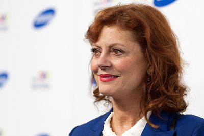 <p>Susan Sarandon gave birth at 45. </p> <p>The Thelma & Louise star welcomed sons, Jack and Miles at 42 and 45, respectively - with her then partner Tim Robbins. </p>