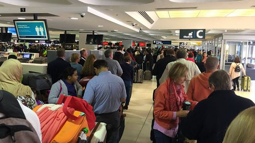 Passengers have been left stranded at Sydney Airport. (Twitter/@jharleyaus)