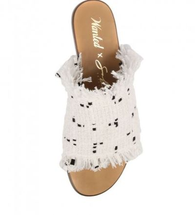 "<a href=""https://www.wantedshoes.com.au/samara-white-fabric.html"" target=""_blank"">Wanted X Sabo Skirt Samara White Fabric,&nbsp;$119.95</a><br>"
