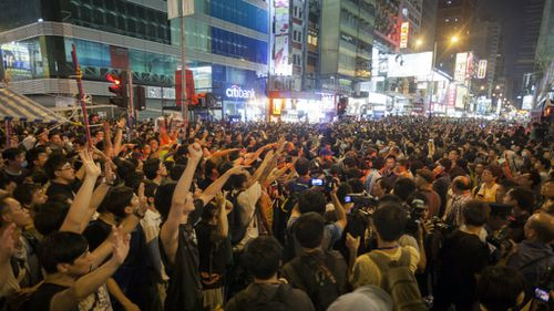 Hong Kong protesters call off government talks after clashes intensify