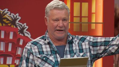 'Best you go home': Scott Cam's brutal response to teams threatening to quit the show