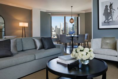 <strong>Four Seasons Hotel Sydney</strong>