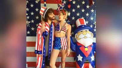 <p>It's the Fourth of July in America and celebrities are celebrating with their friends, families and craziest outfits.</p><p>Miley Cyrus went all out with decorations and outfits as she poses with best friend/assistant Cheyne Thomas. (Instagram)</p>