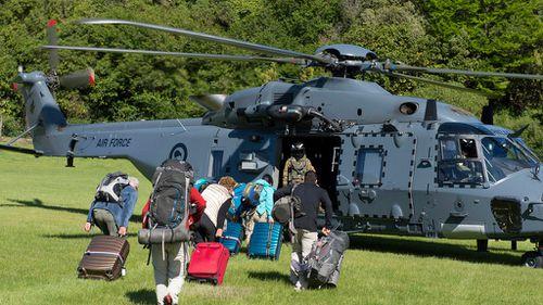 HMAS Darwin to aid New Zealand earthquake evacuation