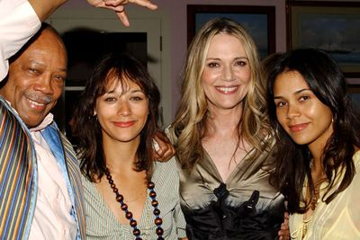 Who's this merry bunch? It's <i>Parks and Recreation </i>hottie Rashida Jones with her pops Quincy, a legendary music producer who was responsible for Michael Jackson's <i>Thriller </i>among many other massive hits. Also posing for the family happy snap is mum Peggy Lipton, an actress/singer who appeared in <i>Twin Peaks </i>and <i>The Mod Squad,</i> and almost-famous sister Kadida, an actress/model/fashion designer.
