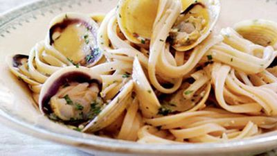 "Recipe:&nbsp;<a href=""http://kitchen.nine.com.au/2016/05/17/12/19/tagliatelle-with-clams"" target=""_top"">Tagliatelle with clams</a>"