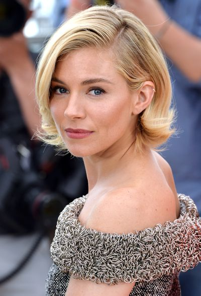 <p>The look was complemented by a great blowdry and a glowing complexion.&nbsp;</p>