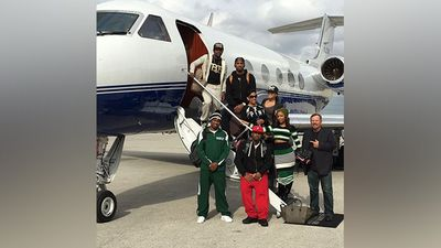 He also owns his own private jet that he hashtags as #AirMayweather when referring to it.