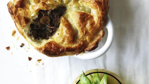 Beef, mushroom and red wine pie