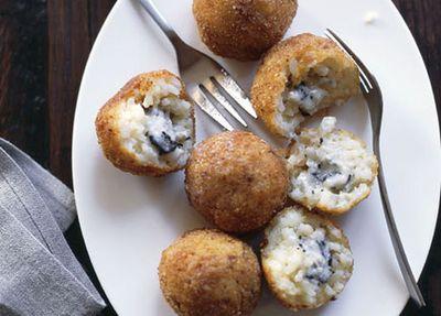 "<a href=""http://kitchen.nine.com.au/2016/05/17/15/01/truffle-arancini"" target=""_top"">Truffle arancini</a>"