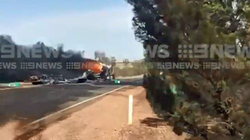 Eyre Highway shuts after fuel tanker explodes