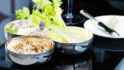 "<a href=""http://kitchen.nine.com.au/2016/05/16/19/36/caramelised-onion-roquefort-and-walnut-dip"" target=""_top"">Caramelised onion, Roquefort and walnut dip<br> <br> </a>"
