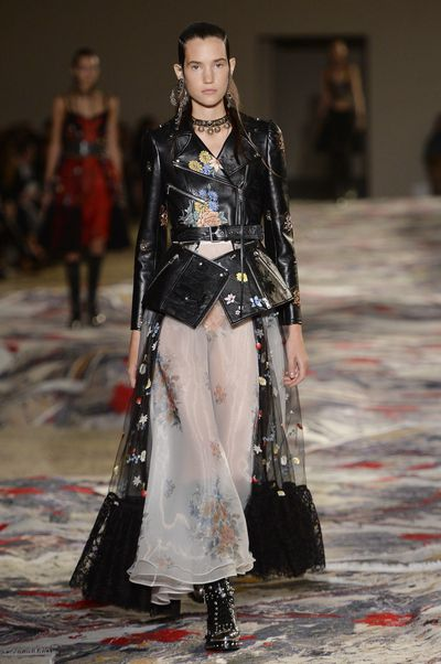 Alexander McQueen, spring/summer '17, Paris Fashion Week