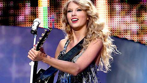Taylor Swift is an effing superstar