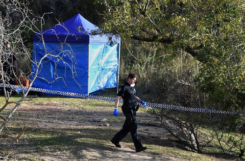 Detectives have spent the night at Kangaroo Point cliffs after the discovery of a bag of bones.