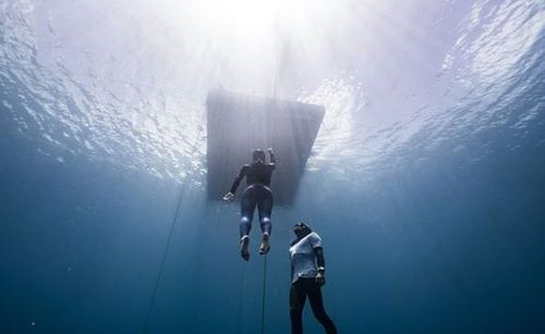 The Colombian makes free diving look so easy but is something which takes great skill. Picture: @sofigomezu