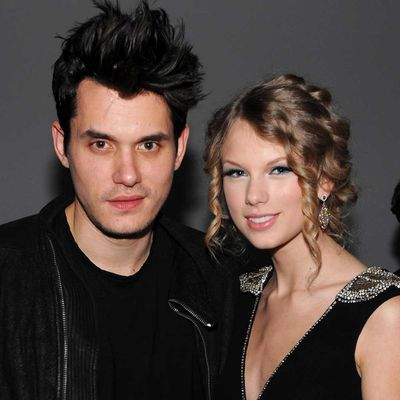 Taylor Swift and John Mayer (December 2009 - February 2010)