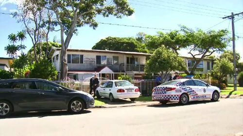 Police at the house in Clontarf. (9NEWS)