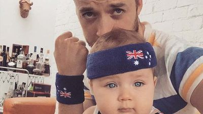 Hamish Blake and son 'Sonny' show their colours. (Hamish Blake/Instagram)