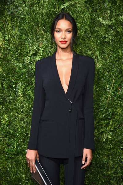 Model Lais Ribeiro in Cushnie et Ochs