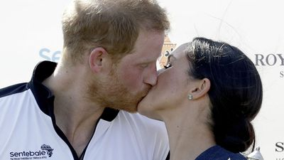 Prince Harry and Meghan Markle share a kiss at polo presentation - July, 2018