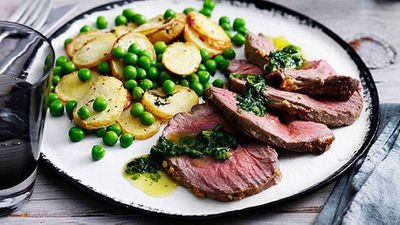 Lamb mini roast with potatoes and peas