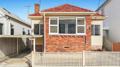 Around the auctions: Last weekend in property