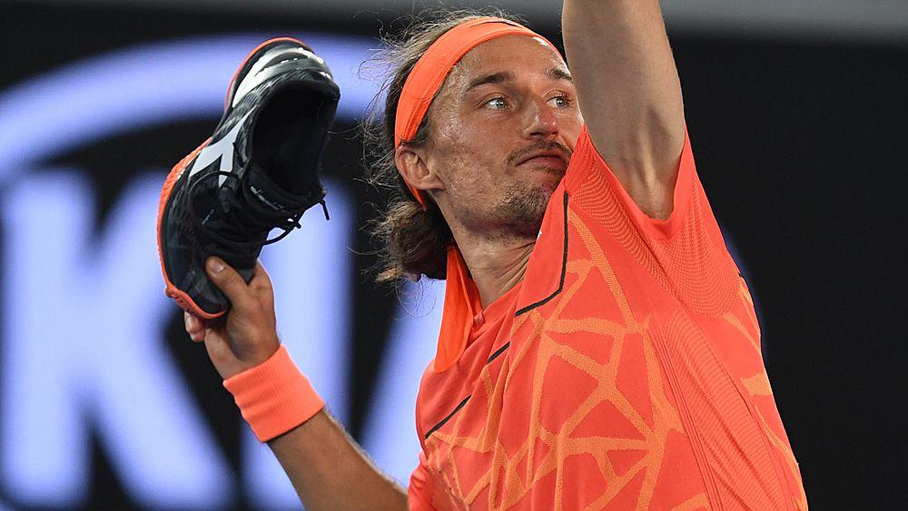 Australian Open tennis: Alexandr Dolgopolov defeats Matthew Ebden but not before epic shoe meltdown