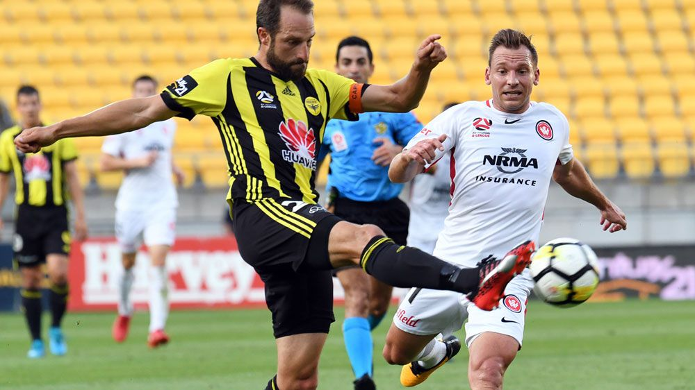 A-League: Wellington Phoenix steal draw with Western Sydney Wanderers