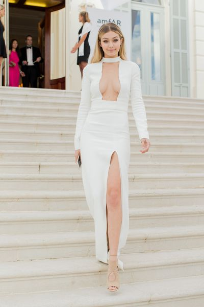 <p>Gigi Hadid in Tom Ford</p>