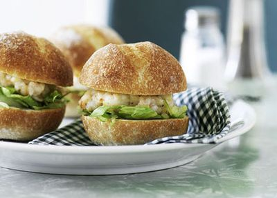 "Recipe:&nbsp;<a href=""http://kitchen.nine.com.au/2016/05/19/15/37/prawn-burgers"" target=""_top"">Prawn burgers</a>"