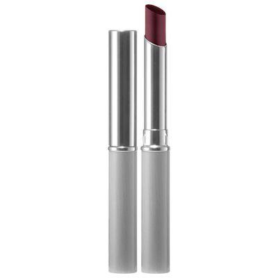 "<em>Get Margot Robbie's plum lips with&nbsp;<a href=""https://www.saksfifthavenue.com/main/ProductDetail.jsp?PRODUCT%3C%3Eprd_id=845524446168516&amp;site_refer=PAR_NARRATIV_SAKS&amp;prod_id=https%3A%2F%2Fwww.saksfifthavenue.com%2Fmain%2FProductDetail.jsp%3FPRODUCT%253C%253Eprd_id%3D845524446168516%26"" target=""_blank"" draggable=""false"">Clinique's Almost Lipstick in Black Honey, $17.50</a></em>"