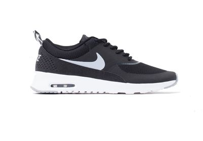 """<a href=""""http://www.theiconic.com.au/nike-air-max-thea-197841.html?nosto=raptor-no_results"""" target=""""_blank"""">Sneakers, $139.95, Nike</a>"""