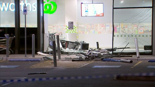 The smashed entrance to the supermarket. (9NEWS)