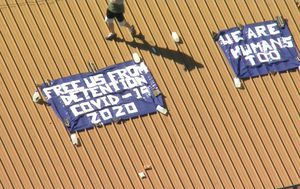 Villawood Detention centre inmates stage rooftop protest over COVID-19