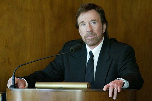 No Chuck Norris, the US government is not planning to invade Texas