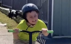 Boy's terrifying encounter with magpie goes viral